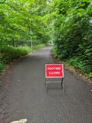 Path closed sign on Roseburn Path approaching Coltbridge Viaduct (c) Hamish Ross